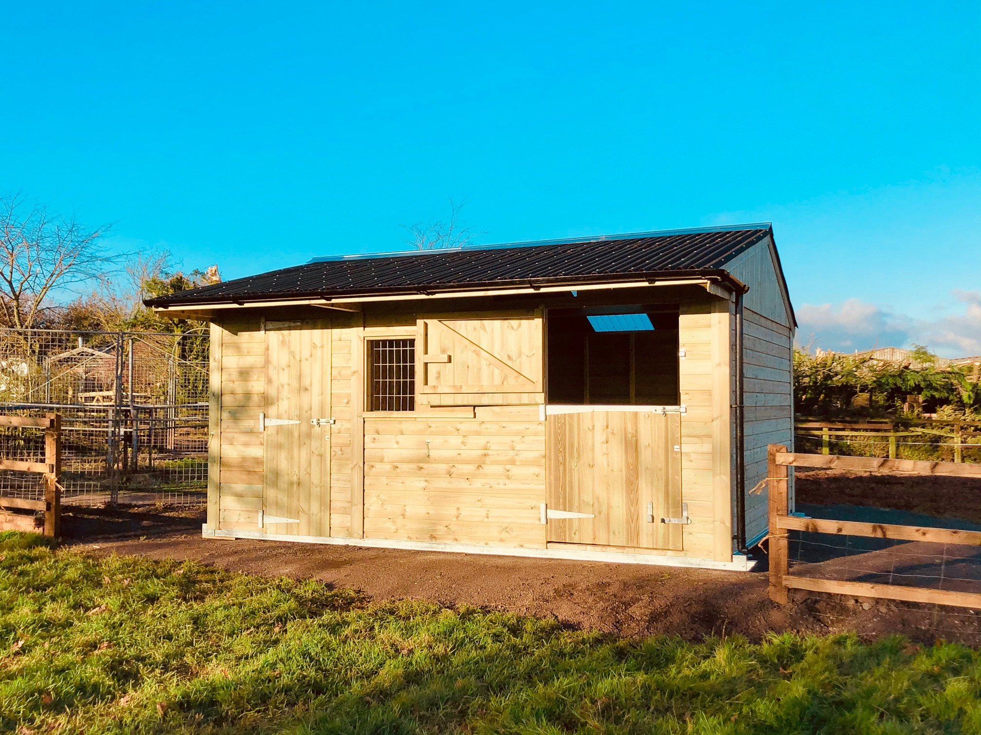 Single stable & Tack Room